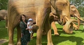 Принцесса Евгения показала прогулку с 4-месячным сыном: фото из Грин-парка в Лондоне