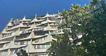 Житель Дніпра кинувся  вікна багатоповерхівки через кредити