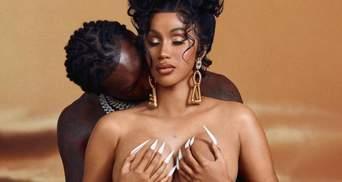 Беременная Cardi B полностью обнажилась рядом с мужем: страстное фото скандальной пары