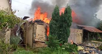 Бойовики стріляють по цивільних: в Авдіївці через обстріл згорів будинок