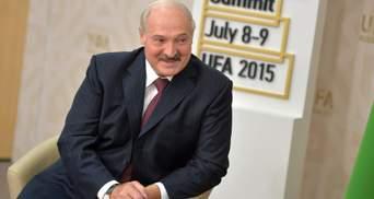 Без Шевченко не обошлось: Лукашенко разрешил иностранцам ехать в Беларусь для вакцинации