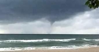 В 300 метрах от пляжа: в Турции торнадо сильно напугал людей – видео