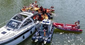 У МЗС розповіли про стан українців, які на гелікоптері впали в озеро у Польщі