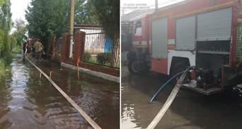 Негода на Донеччині: рятувальники відкачали вже понад 3 тисячі кубометрів води