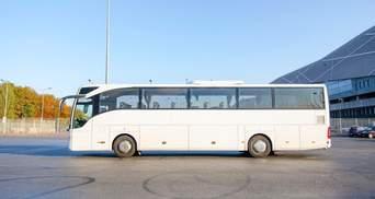 Відпустили не всіх: на кордоні Чорногорії та Албанії затримали автобус з українцями