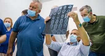 Оперирует ежедневно: немецкого хирурга, приезд которого оплатил Зинченко, ждали 60 детей