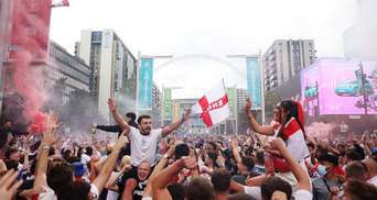 Фанати Євро-2020 влаштували веселощі в Лондоні – фото, відео