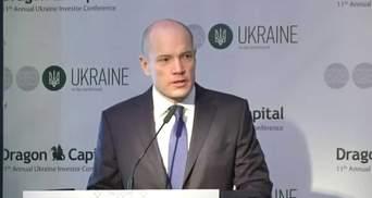 Курс долара та рівень інфляції: у Dragon Capital розповіли, що чекати українцям до 2022 року