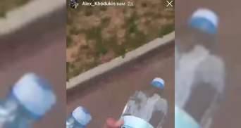 У Харкові школяр купив пожежникам воду:  вирішив допомогти – відео