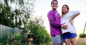 За неделю до родов: Анатолий Анатолич подарил беременной жене внедорожник