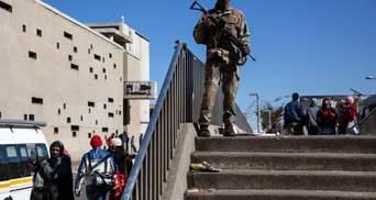 В ЮАР возникли беспорядки из-за заключения экс-президента: погибли более 70 человек