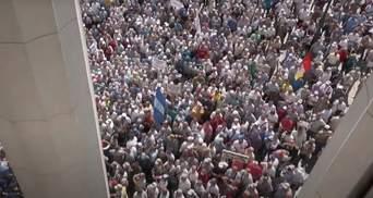 Протест силовиків-ветеранів переріс у штурм Верховної Ради: відео