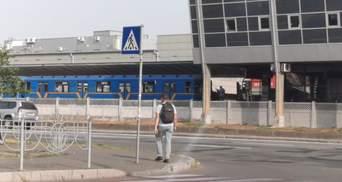 У Києві в метро людина потрапила під потяг: чоловік загинув