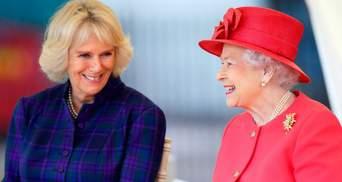 Єлизавета II і герцогиня Корнуольська: найкращі фото королеви та її невістки