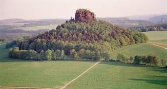По объявлению на eBay: в Германии за 235 000 долларов продают целую гору