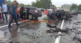 Погибли женщина и маленький мальчик: на трассе Киев – Чоп произошло жуткое ДТП – фото