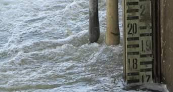 Грози не полишають Україну у спокої: у річках підвищиться рівень води