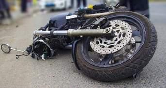 Тягнув поліцейського по асфальту: байкера, який влаштував перегони у Києві, посадили у в'язницю