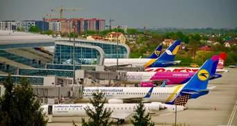 """Из-за поисков взрывчатки в аэропорту """"Львов"""" задержали несколько рейсов"""