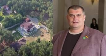 """ЗМІ показали будинок """"слуги"""" Юзіка під Києвом: фото"""