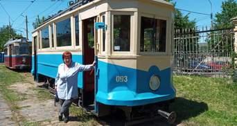 Сучасна вершниця Львова: водійка трамваю поєднує роботу та блогерство