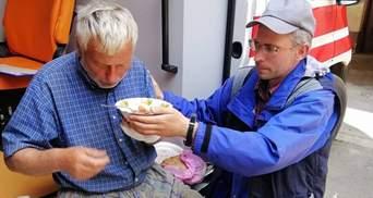 Загадково зник 5 днів тому: біля Львова перехожий випадково врятував знесиленого дідуся