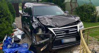 На Херсонщине водитель насмерть сбил двух человек и скрылся: фото