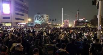 Шоста доба поспіль: в Ірані не вщухають протести – влада вивела на вулиці військову техніку