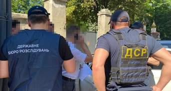 Криминального авторитета из санкционного списка СНБО выдворили из Украины