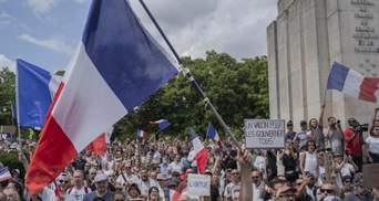 Во Франции протестовали из-за обязательной вакцинации: возникли столкновения – видео