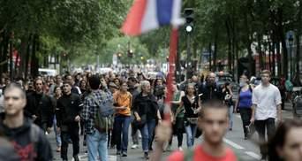 Попри масштабні протести: у Франції схвалили посилення обмежень для нещеплених від COVID-19