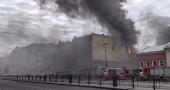 Масштабный пожар вспыхнул в Санкт-Петербурге: есть пострадавшие – видео