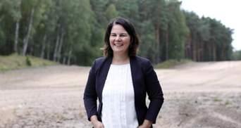"""Кандидатка у канцлери Німеччини вибачилась за слово """"негр"""" в інтерв'ю"""