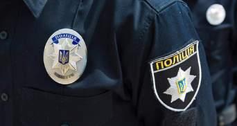 Били замість того, щоб допомогти: на Житомирщині поліцейські підуть під суд за катування