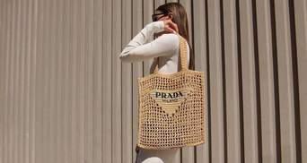 Инфлюенсеры нашли идеальную сумку на лето – шопер от Prada: стильные образы