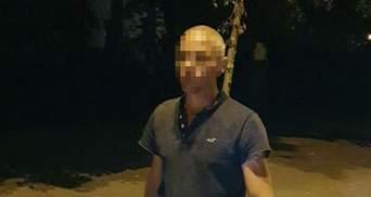 У Києві переселенець з Донбасу пошкодив клумби на Алеї Героїв Небесної Сотні