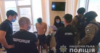 Ошукали людей на мільйони гривень: в Одесі поліція викрила мережу фейкових інтернет-магазинів