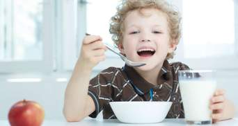 Добавили подсолнечное масло и безлактозное молоко: правительство изменило нормы питания в школах