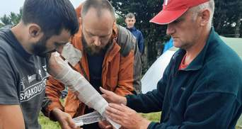 У Карпатах блискавка влучила в групу туристів: є постраждалі – фото