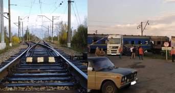 Из-за аварии на железнодорожном переезде под Полтавой задерживаются поезда: фото с места ДТП