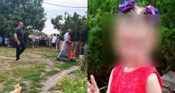 Дедушке стало плохо: на Харьковщине прощаются с 6-летней Мирославой Третяк – фото