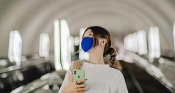 Диктор у метро в Києві вперше закашлявся: перформанс до Дня боротьби з раком легені – відео
