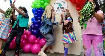 Победила рак и помогает другим: девочка продала 32484 коробок печенья для благотворительности