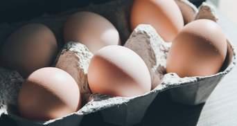 В Одессе в супермаркете нашли яйца с плесенью: видео