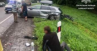 Движение транспорта затруднено: на трассе Киев – Чоп произошло тройное ДТП – фото