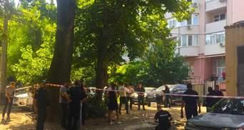 Киллер убил мужчину посреди дня в Одессе: видео 18+