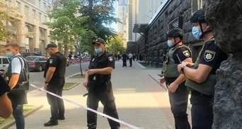 Поліція почала спецоперацію через захоплення будівлі Кабміну: фото, відео