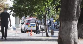 Чоловік з гранатою погрожував підірвати будівлю уряду: відео