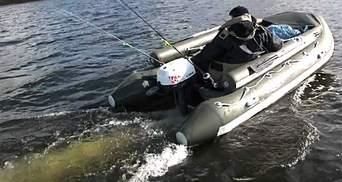 Штормом несло в Молдову: как пограничники вылавливали рыбака в Одесской области