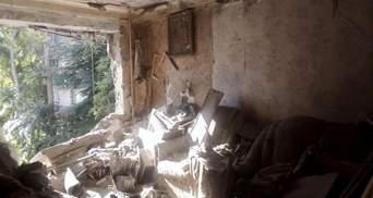Во время обстрела боевиками Красногоровки пострадал мужчина: полиция открыла дело